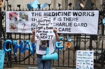 Modificarile legii nu pot avea drept intentie sa-i lase pe parinti sa se chinuie – judecatorul Charlie Gard