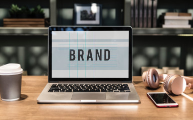 Personalizare, identitate vizuală – afacerea ta devine un brand!