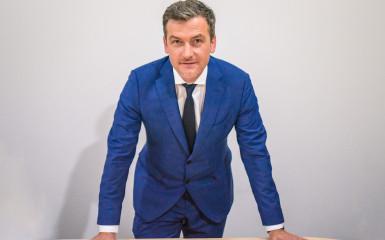 Muncă, răbdare, respect - avocatul și OMUL Răzvan Călinescu