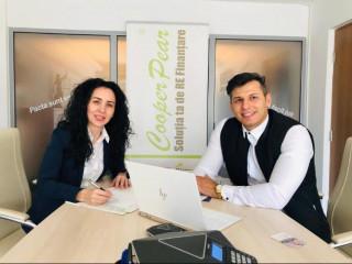 Astăzi am făcut cunoștință cu unul dintre cei mai buni consultanți de credite din București! Povești, experiențe, portrete ... cu Cristina Filip!